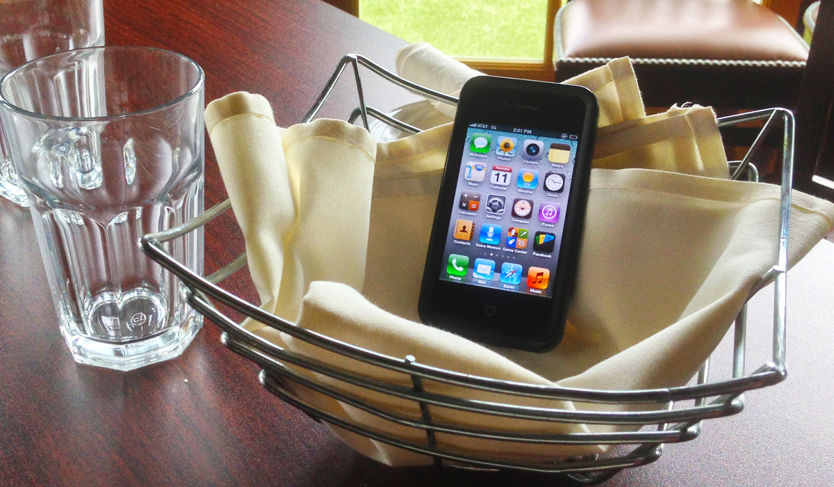 station iphone 10% off your food bill